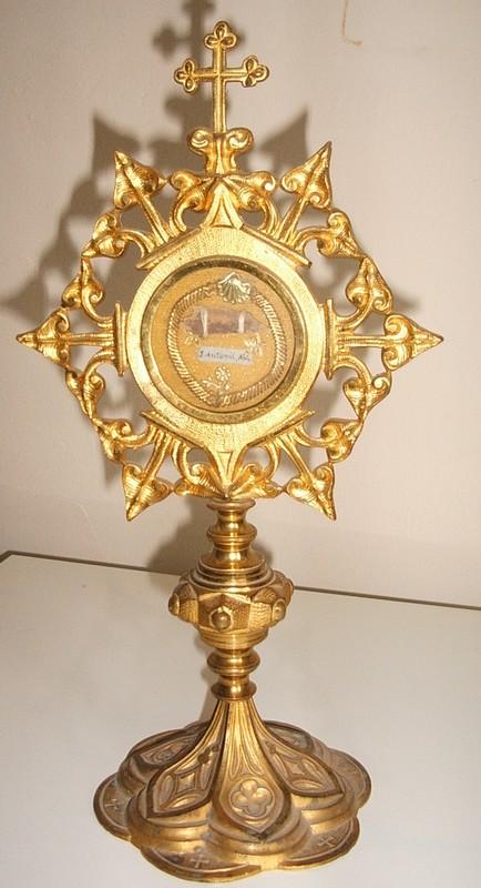 Relique de St Antoine à La Roque sur Pernes